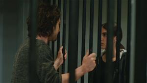 Sinan, Hazan için hapise giriyor!
