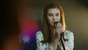 Zeynep'ten muhteşem Yalnızlık Senfonisi performansı