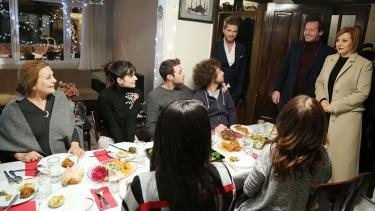 Mutlu Aile Yemeği