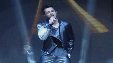 Murat Boz yeni şarkısını ilk kez Türkiye Müzik Ödülleri gecesinde söyledi