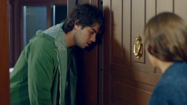 Ozan, Melis'e sığınıyor!