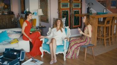 Kızlar bakın Şebnem'i evlilikten vazgeçirmek için ne yapıyorlar!