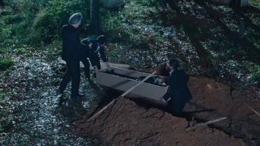 İbrahim Fatoş'u diri diri gömüyor!