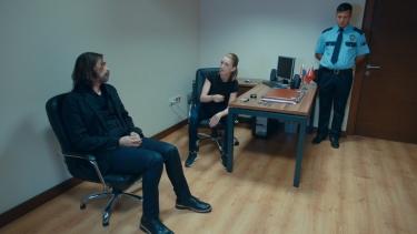 Murat sorgu odasında!