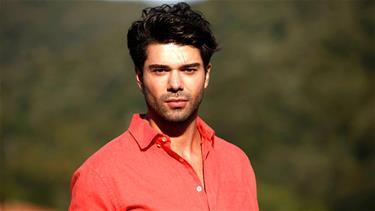 Kardeş Çocukları'nın Onur'u Batuhan Ekşi merakla beklenen yeni sezonu anlattı!