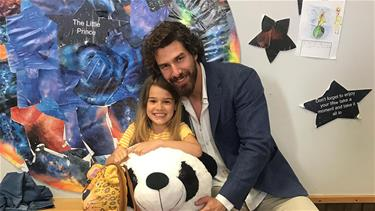 Benim Tatlı Yalanım'ın çocuk oyuncusu Lavinya'ya sette doğum günü sürprizi yapıldı!