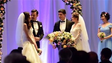 İstanbullu Gelin'de Çifte Düğün
