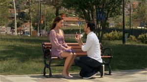 Evlilik Teklifine Şok Baskın