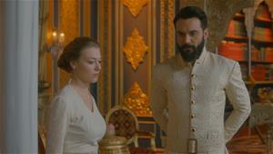 Anna saraydan ayrılıyor mu?