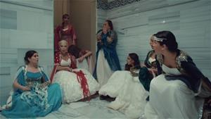 Esma Sultan'ın Sürprizlerle Dolu Kına Gecesi