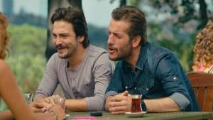Ahmet ve Murat meslek düşünürken bakın hangi şarkıyı anımsadı?