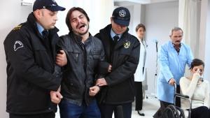Ahmet ve Feride'nin fantazisi hastanede bitti!