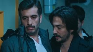 Ahmet ve Murat kimin kapısına dayandı?