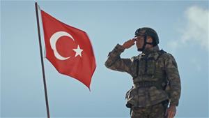 Keşanlı Türk Bayrağı'nı göklerde dalgalandırıyor!