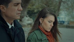 Faruk, Süreyya'nın Esma ile tartıştığını öğreniyor