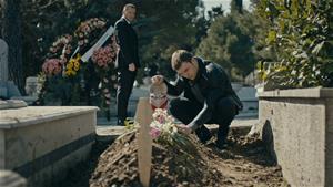 Yavuz Üsteğmen, Merve'nin mezarının başında!