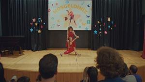 Anne-kız dansı!