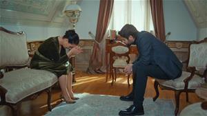 Ali Kemal annesine hesap soruyor!