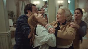 Anastasia ve Osman'ı öpüşürken gören Esma, çılgına dönüyor!