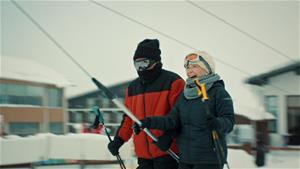 Esma Sultan ve Garip kayak yapıyor!