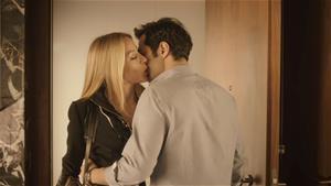 Merve, Serhan'ın hayatındaki kadını bulmaya çalışıyor!