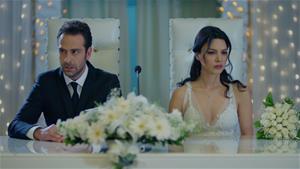 Zeynep ve Hakan nikah masasında