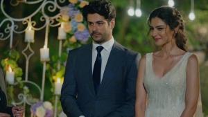Kemal ve Asu nişanlandı!