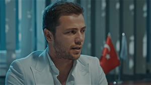 'Bari şu kelepçeyi çıkarın, Türk Subayıyım ben'