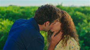 Yusuf ve Rüya'nın romantik anları!