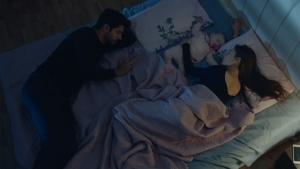 Kemal, Nihan'dan uzak duramıyor