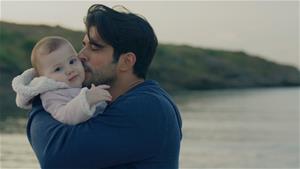 Deniz, Kemal'e baba diyor