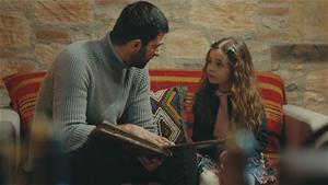 Sancar, Melek'e dedesinin hikayesini anlatıyor