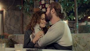 'Sana sürekli sarılmak istiyorum'