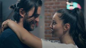 Ayşe ve Volkan'ın romantik dansı beraberinde bakın ne getirdi!