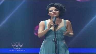 Göksel, Elidor Miss Turkey gecesinde izleyenleri büyüledi!