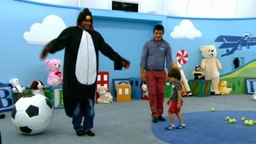 Minik Efe'nin penguenle mücadelesi