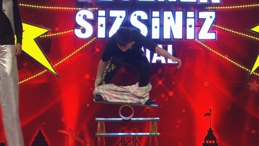 Cambaz Mithat Show'un Final Performansı