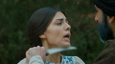Saliha Sultan'ı bakın kim kurtarıyor!