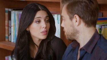 Leyla, Murat'ı sınav yapıyor ve bakın neler oluyor!