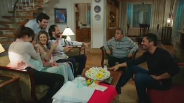 Aile'nin toplu nikah sevinci!