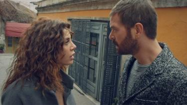 'Senden uzak duramam çünkü seni seviyorum!'