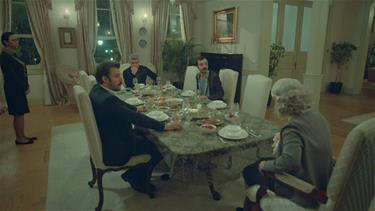 Osman yemek masasında söylediği sözlerle herkesi şok ediyor
