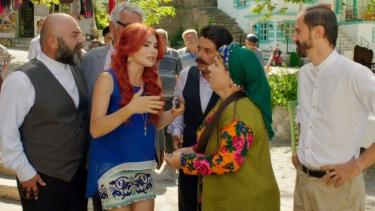 Köy Halkı, Nuriye Ninenin kaybolduğunu öğreniyor!