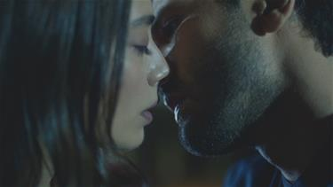 'Sadece bir kere öp beni...'