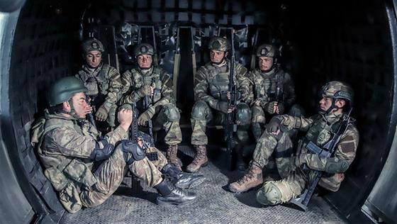 'Bayrak aynı bayrak, ordu aynı ordu!'